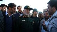 تصاویری از حضور  فرمانده کل سپاه در روستای زلزلهزده ورنکش آذربایجانشرقی