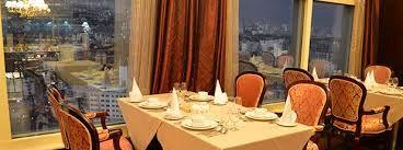 دریافت حق سرویس در کافی شاپ ها و رستوران ها غیر قانونی است
