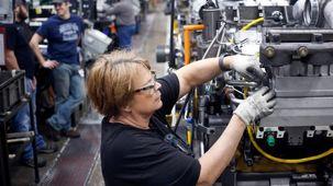 کاهش نیم درصدی تولید کارخانجات آمریکا به دلیل اعتراضات کارکنان جنرال موتورز