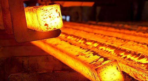 کاهش 12 درصدی تولید فولاد خام در نیمه نخست امسال