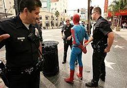 فرار از دست پلیس به شیوه مرد عنکبوتی در آبادان