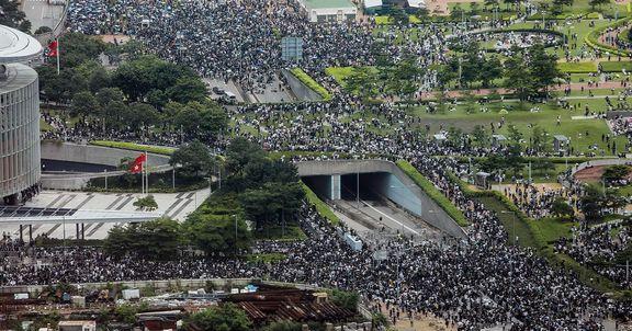 اعتراضات گسترده در هنگ کنگ علیه قانون استرداد / بازار سهام هنگ کنگ سقوط کرد