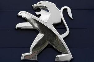 سقوط ۱۳ درصدی فروش دومین گروه خودروسازی بزرگ اروپا