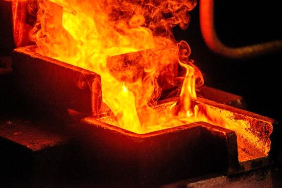 چین خریدار بزرگ طلا در جهان / خرید 16 تن طلا در ماه می برای مقابله با جنگ تجاری با آمریکا