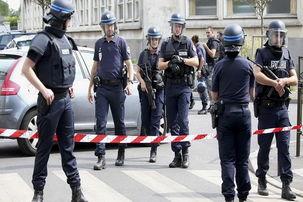پلیس فرانسه هم به جلیقه زردها پیوست/ فراخوان اعتصاب سراسری پلیس برای فردا صادر شد