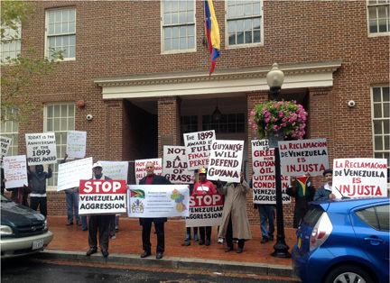 دولت ترامپ برق سفارت ونزوئلا قطع کردند