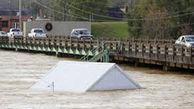 بارش سیل آسای باران در دالاس آمریکا دهها خودرو را زیر آب برد