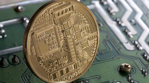 بانک مرکزی باید با مداخله در روند تولید ارز دیجیتال تمامی مراحل آن را رصد کند