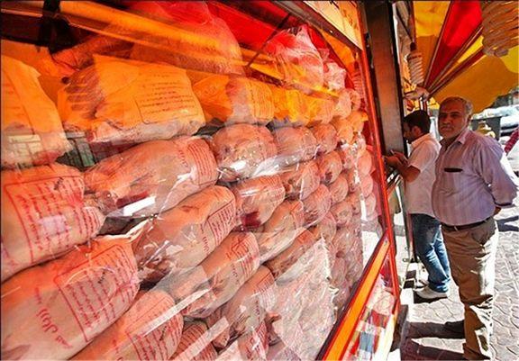 قیمت مرغ کیلویی 15 هزار تومان است/گران فروشی در مرغ مساوی با پلمب مغازه!