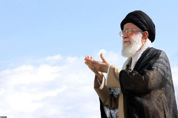 نماز عید فطر به امامت رهبر انقلاب  در مصلای امام خمینی (ره) تهران اقامه شد