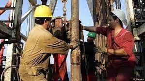 طرحی برای حذف شرکتهای واسطه پیمانکاری نفت در مجلس