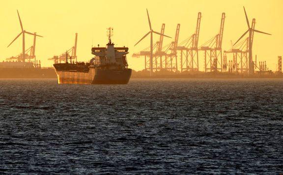 افزایش دوباره قیمت نفت در بازارهای جهانی / ایالات متحده به تکاپو افتاد