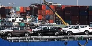 عوارض ۸۶ درصدی بر واردات خودرو منجر به گرانی میشود