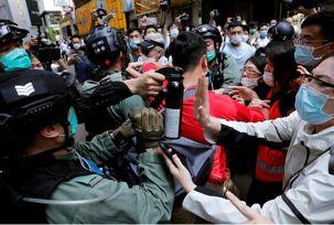هنگ کنگ به حالت کاملا امنیتی درآمد/حضور پلیس های امنیتی چین در خیابان های هنگ کنگ
