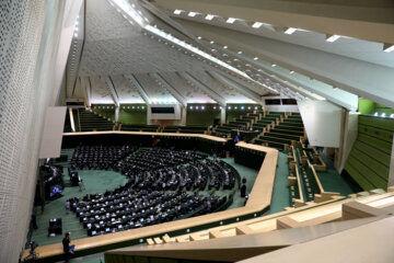 بررسی طرح تسهیل صدور برخی مجوزهای کسبوکار در دستور کار نمایندگان مجلس