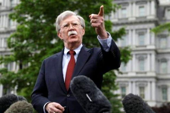 مشاور امنیت ملی آمریکا بر خلاف کاخ سفید ایران را تهدید به استفاده از بمب افکن کرد