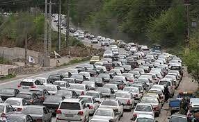 ترافیک نیمه سنگین در محورهای شمالی/سفر به و از شهرهای قرمز و نارنجی کماکان ممنوع
