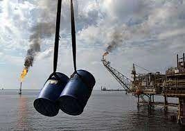 کمبود عرضه یک میلیون بشکه نفت در روز/ امید بازار جهانی به احیای برجام