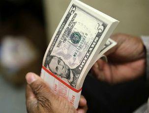 دلار در بازار جهانی با کاهش قیمت مواجه شد/کرونا به جان دلار افتاد