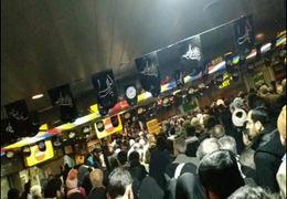 شعارهای نمازگزاران در متروی تهران+ فیلم