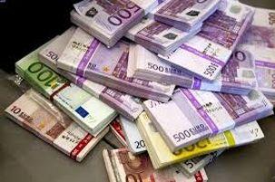 پایین ترین سطح یورو نسبت به دلار در دو هفته اخیر