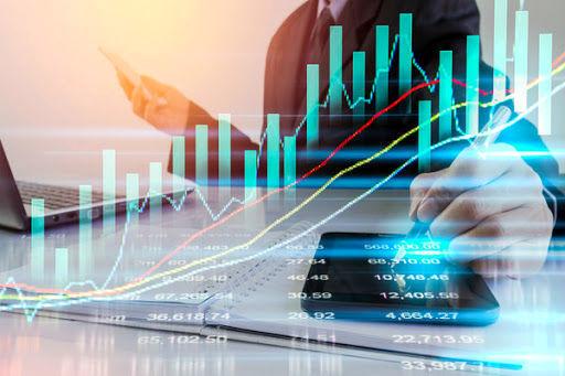 ورود به بازار سرمایه بدون مدیریت ریسک و استراتژی سرمایهگذاری ممنوع!/ مشاوره یا سرمایهگذاری؛ نیاز جامعه سرمایهگذار کدام است؟