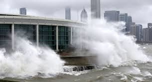 تصاویر هولناک از لحظه وزش طوفان سهمگین در شرق آمریکا + فیلم