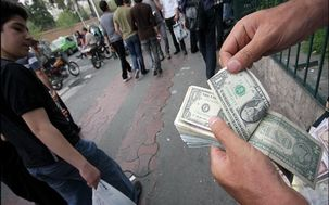 همزمان با بالارفتن دلار 20 دلال ارزی دیگر بازداشت شدند