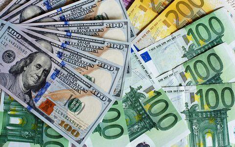 کاهش نرخ رسمی ۳۲ ارز از سوی بانک مرکزی