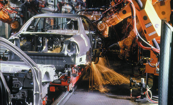 افزایش قیمت فولاد و تاثیر آن بر صنعت خودرو