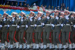 رژه نیروهای مسلح در حضور رییس جمهور
