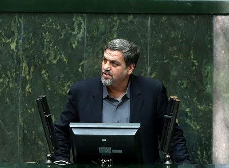 کواکبیان:  مسئله سپنتا نیکنام را به مجلس بیاورید تا حل شود.