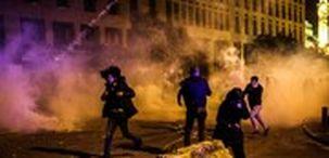 بازداشت معترضان لبنانی در جریان درگیری با نیروهای امنیتی در بیروت