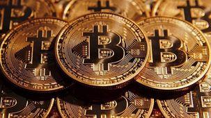 قیمت هر بیت کوین به مرز ۱۰ هزار دلار رسید/ آیندهی بازار بیت کوین چه میشود؟