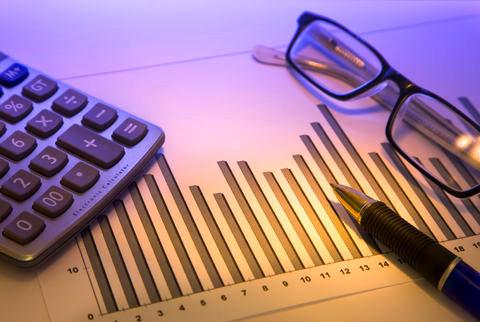بازار سهام روی ریل صنایع صادرات محور/  بانک ها نقطه اصلی اقتصاد کشور