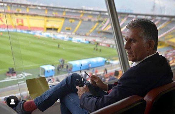 تصویری از کارلوس کیروش در حال مشاهده لیگ کلمبیا
