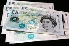 کاهش ارزش پوند در برابر دلار و یورو با استعفای وزرا کابینه انگلیس