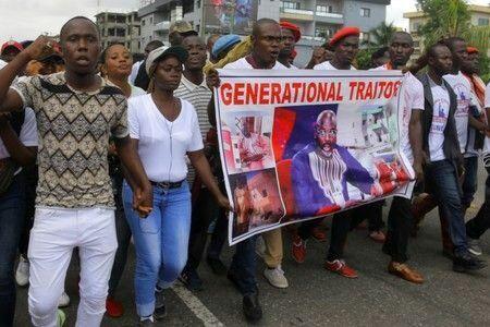 رکود اقتصادی در لیبریا باعث تجمع شهروندان این کشور شد