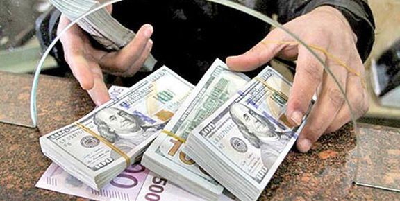 دلار از مرز ۱۵ هزار تومان عبور کند/ نرخ دلار 15 هزار و 350 تومان