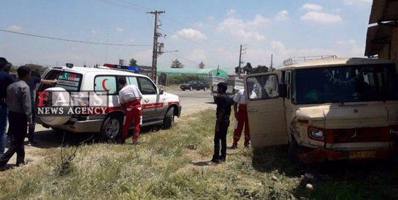 تصادف خونین مینیبوس با پراید در گلستان /  14 نفر مجروح شدند