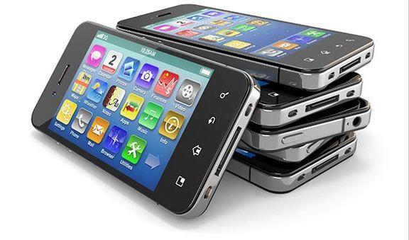 100 هزار موبایل در حال ترخیص از گمرک است