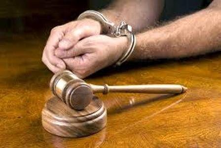 متهم به آزار یک دختر 4 ساله در کرمانشاه دستگیر شد / آثار ضرب و جرح بر روی بدن کودک تأیید شد