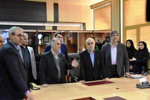 وزیر اقتصاد از خزانه داری کل کشور بازدید کرد