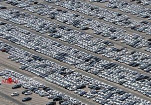انبار خودروها در پارکینگ خودروسازان کار دست وزیر صنعت داد/ حاجی دلیگانی به رحمانی تذکر داد