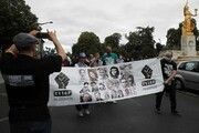 مخالفان نژادپرستی در فرانسه به خیابانها آمدند