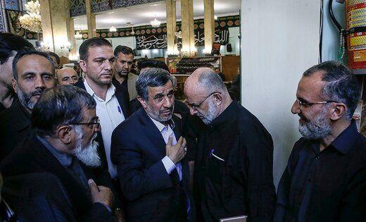 حضور احمدی نژاد در مراسم ترحیم پدر سردار سعید قاسمی + عکس