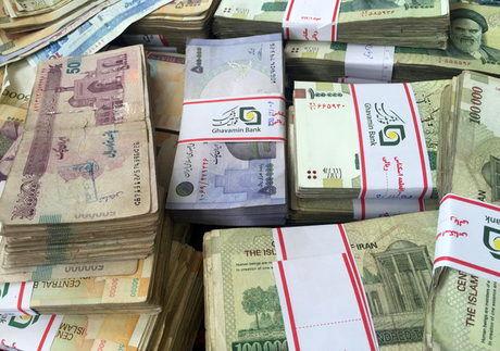 همتی: دو و نیم میلیارد دلار به کشور بازگردانده شد