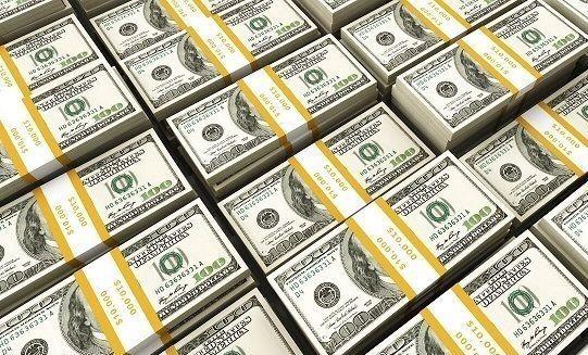 کاهش اندک دلار مقابل بیشتر ارزها