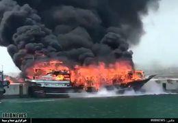 آتش گرفتن ۴ لنج باری و ماهیگیری در اسکله بندرجاسک هرمزگان + فیلم