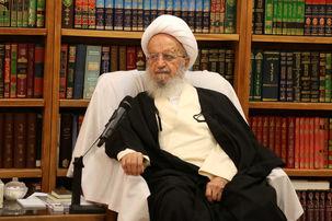 واکنش آیت الله مکارم شیرازی به سخنان روحانی / سخنان روحانی در مورد حجاب و فضای مجازی زننده بود